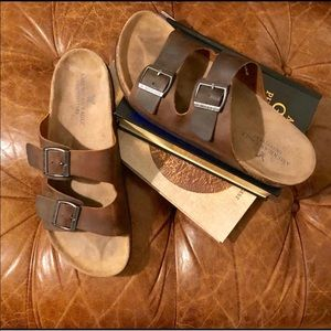 🦅 American Eagle 🦅Men's size 11...leather slides